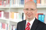 Leitet künftig die staatlich anerkannten Bereiche der Wirtschaftsakademie: Professor Dr. Stührenberg