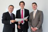 (v.l.n.r.): Dr. Detlef Reeker zusammen mit Dr. Jens Ehlers und Prof. Dr. Sven Mertens