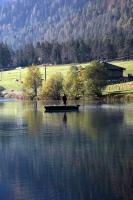 Das Tiroler PillerseeTal mit seinem smaragdgrünen See.