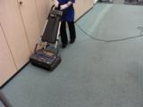 Teppichbodenreinigung erfolgt heute mit minimaler Wassermenge