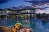 Hotelansicht mit Pool - Hotel Atlantic