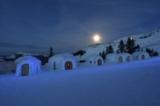 Alpeniglu Dorf bei Nacht