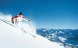 """Kitzbüheler Alpen AllStarCard: über 1.000 Pistenkilometer in zehn Skigebieten """"erfahren""""."""