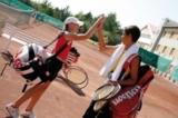 Tennis liegt wieder voll im Trend und kommt auch bei Kindern und Jugendlichen gut an.