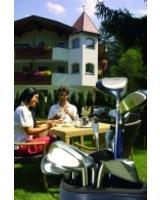 Das Hotel Ritterhof bietet die richtige Urlaubsmischung aus Golf und Wellness.