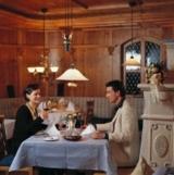 Ralf Geese wacht über die Gourmetküche von Deutschlands bestem Wellnesshotel, des Angerhofs.