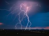 Blitze: Schön anzuschauen - aber nicht ungefährlich für's IT-Equipment