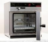Der gekühlte Vakuumschrank VO 200cool findet unter anderem bei Trocknung von Bakterien Anwendung