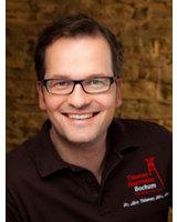 Zahnästhetische Lösungen für den schönsten Tag im Leben kennt der Spezialist Dr. Jörn Thiemer.