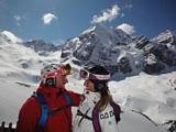 Skifahrer genießen Ortlerpanorama