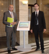 Herr Lange, Kanzler der FU (links) und Herr Dr. Clausen, 3d-berlin GmbH (rechts)