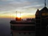 Aussichtsterrasse bei Sonnenuntergang
