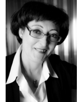 Dr. Ina Bach