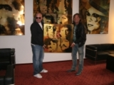 Günter Edlinger betreibt im Salzburger AMEDIA Hotel auch ein eigenes Atelier und die Unikat-Gallery.