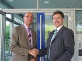Goossen de Bruin, CEO von Holland House und Martin Kellner, CEO von AKI, Würzburg