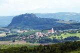 Schloss Weiterdingen und St. Mauritius sind die Wahrzeichen Hilzingens.