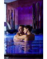 Paar im Whirlpool (Unterschwarzachhof © Mario Rabensteiner)