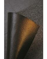 Markantes für Bitumenschweißbahnen mit BlueSpeed-Ausrüstung: die rillenförmige Schweißschicht