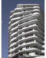 Der 56 m hohe Turm ist das Glanzstück der Hafencity.