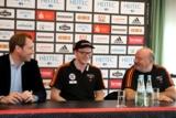 (Foto: hl-studios, Erlangen): v.l. GF Stefan Adam, Nicolai Theilinger und HC-Trainer Frank Bergemann