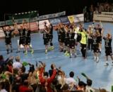 (Foto: hl-studios, Erlangen) HC Erlangen: große Feier nach einem überragenden Sieg gegen Friesenheim