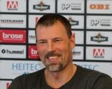 (Foto: hl-studios, Erlangen): HC Erlangen - Cheftrainer Robert Andersson verlängert vorzeitig