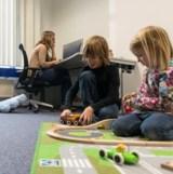 (Foto: hl-studios, Erlangen) – hl-studios: entspannt mit Mama und Papa in der Agentur