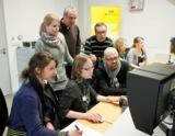 """(Foto: hl-studios.de): Die Studenten der Faber-Castell-Akademie Stein """"at work"""" bei den hl-studios."""