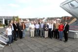 Teilnehmer des DERlab-Workshops auf dem Dach des Fraunhofer IWES in Kassel. Copyright: DERlab e.V.