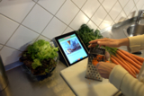 Die EAT SMARTER App passt gut in die Küche.