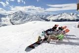 Snowboarder machen eine Pause