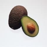 Avocados sind natürliche Vitamin E-Lieferanten.