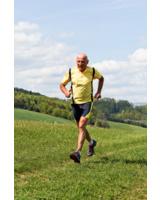 Joggen im Alter stärkt Körper und Geist. (Bild: © Gina Sanders - Fotolia.com)