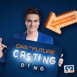 """Max Zielke aus dem ran-TV-Team ist der Set-Reporter für das """"VR Future Casting Ding""""."""
