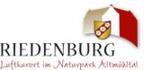 Das neue Logo von Riedenburg schlägt eine Brücke zwischen modernem Design und historischen Aspekten.