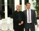Bei der Eröffnung von Haus B: Geschäftsführer Martin Kirsch (rechts) und Architekt Peter Brückner.