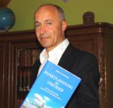 """Ralph Guttenberger: Autor des Buchs """"Punktlandung im Vertrieb"""""""