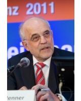 Nich alltäglich: Vorstandsvorsitzender der Sparda Bank BW Thomas Renner erhält den Ehrendoktortitel
