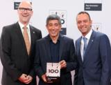 beDirect Geschäftsführer Roland Meyer (links) bei der Preisverleihung