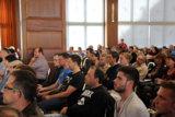 Schüler und Interessierte bei der Podiumsdiskussion 2014 an den Eckert Schulen