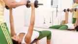 Personal Trainer sind Fitness Experten und helfen beim Training.