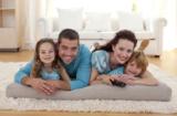 Glückliche Familie durch günstige und individuelle Tarife in der privaten Krankenversicherung