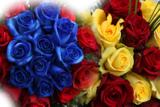 Bei Rosenbote.de kann man einen Blumenstrauß ganz individuell selbst gestalten.