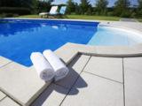 Schon für unter 3.000 Euro erhältlich ist der Selbstbausatz für einen acht Meter langen Pool.