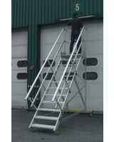 Fahrbare Podesttreppe 2231 von Hymer-Leichtmetallbau.