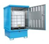 Gefahrstoff-Depot für IBC-Container mit Auffangwanne
