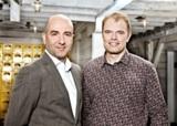 Herrn Georg Reich, Ottakringer Getränke AG (li.) und Herrn Gerald Aigner, Imtech ICT Austria (re.)