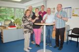Dreyer+Timm stoßen auf den Umzug an. Bild: Dreyer+Timm GmbH