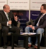 Frank Biermann (l.), Vorstand Vertrieb und Marketing der mobileObjects AG im Interview.