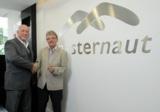 Martin Hiscox CEO von Masternaut, und Walther Bernard, Geschäftsführer der E.Novation BTC.